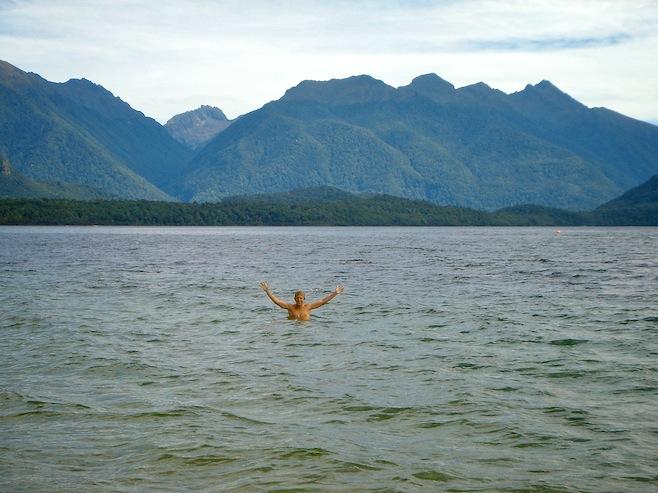 NZ Lake Manapouri