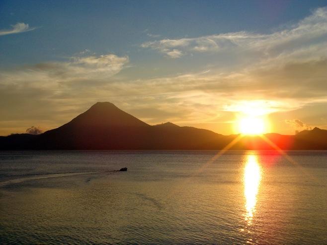 GUA Lago Sunset