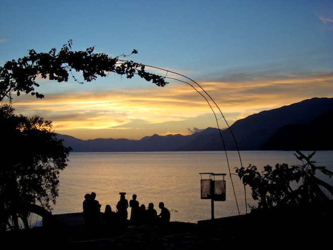 GUA Lago Sunset2