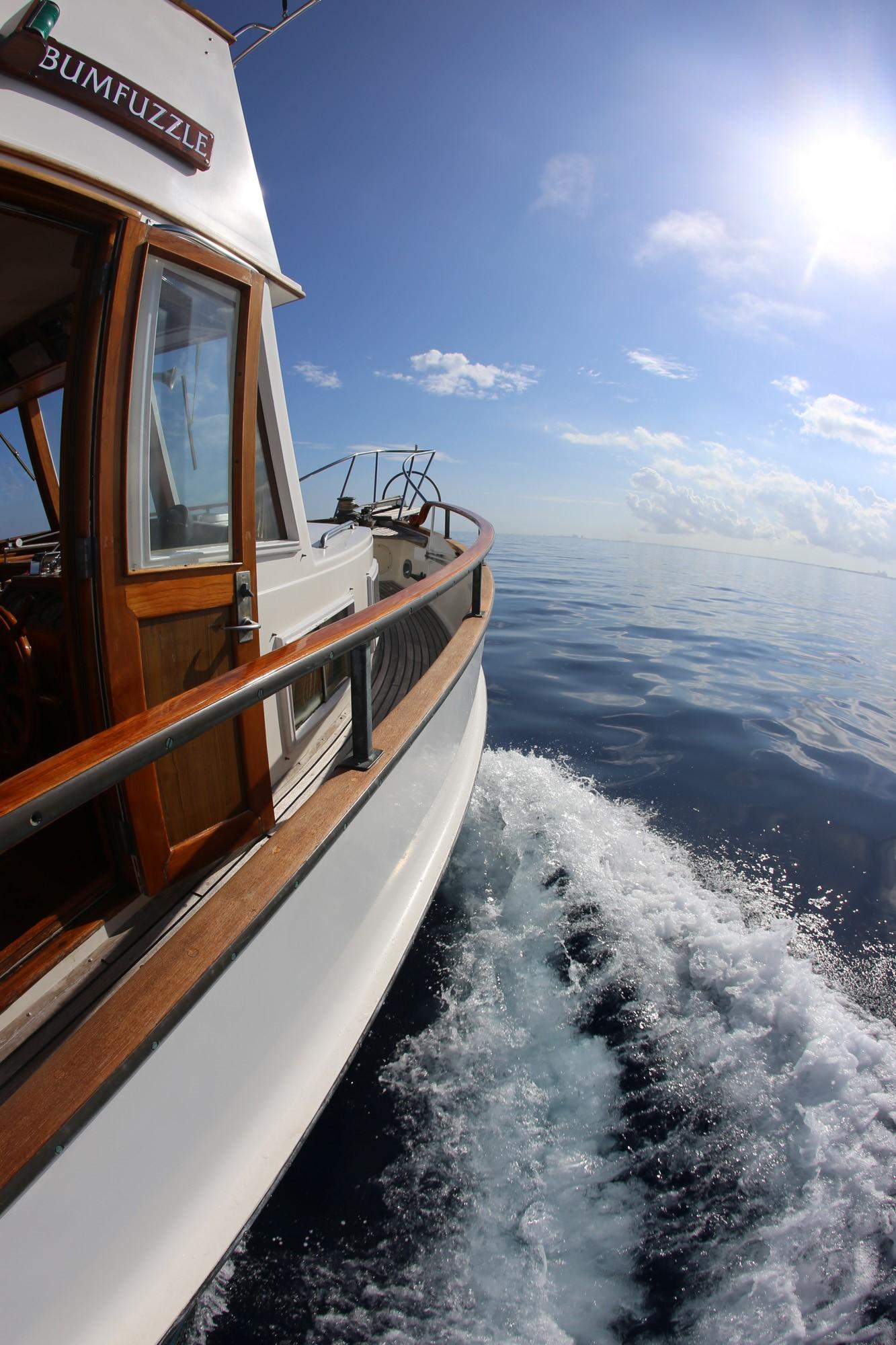 Trawler vs  Sail - Bumfuzzle